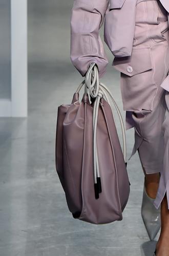 Фото №22 - 10 весенних трендов с Недели моды в Милане
