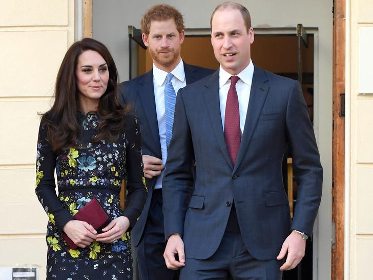 Фото №4 - Кого из королевской семьи Гарри первым познакомил с Меган (это не Уильям)