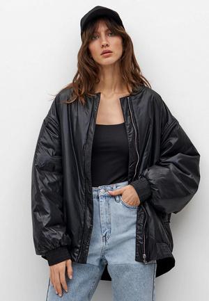 Фото №4 - Тренды 2021: какие куртки-бомберы сейчас в моде и какую лучше выбрать