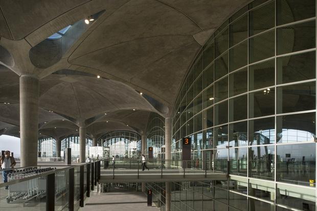 Фото №15 - 10 самых красивых аэропортов мира