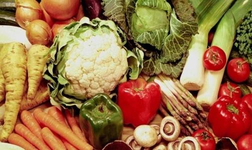 Фото №1 - Супермаркеты Петербурга убирают с прилавков овощи