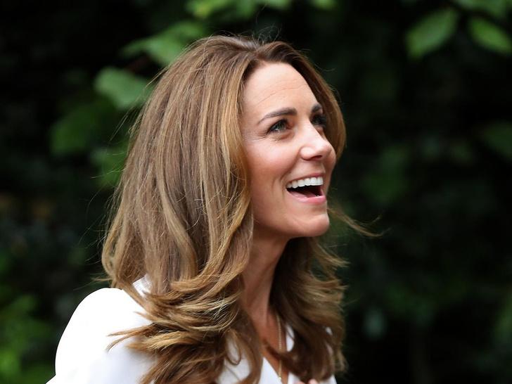 Фото №3 - Простой секрет здоровой и сияющей кожи герцогини Кейт