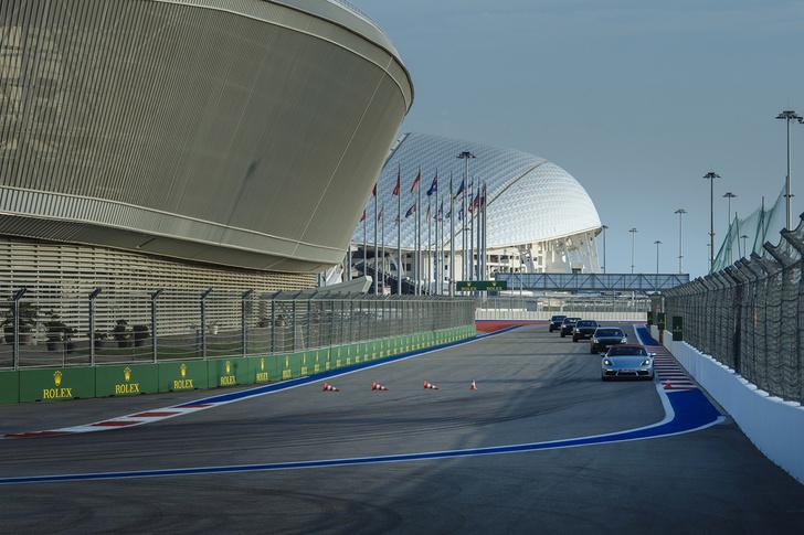 Фото №6 - Вирус Porsche: как прокатиться на всех моделях автомобильного бренда за один день