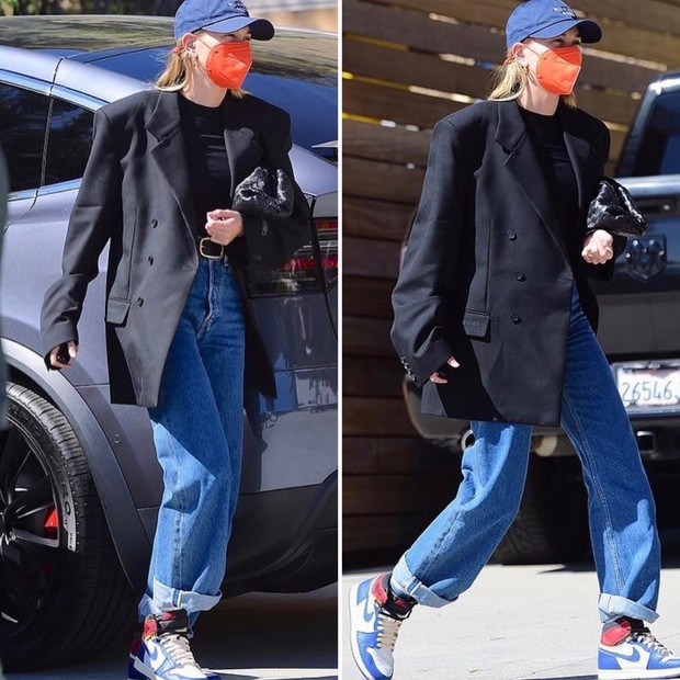 Фото №1 - Как носить черный оверсайз жакет: показывает Хейли Бибер