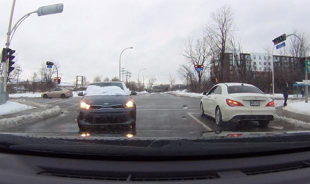 Фото №1 - Видео про водителя, который не очистил от снега лобовое стекло и устроил ДТП, набрало за сутки больше тысячи комментариев
