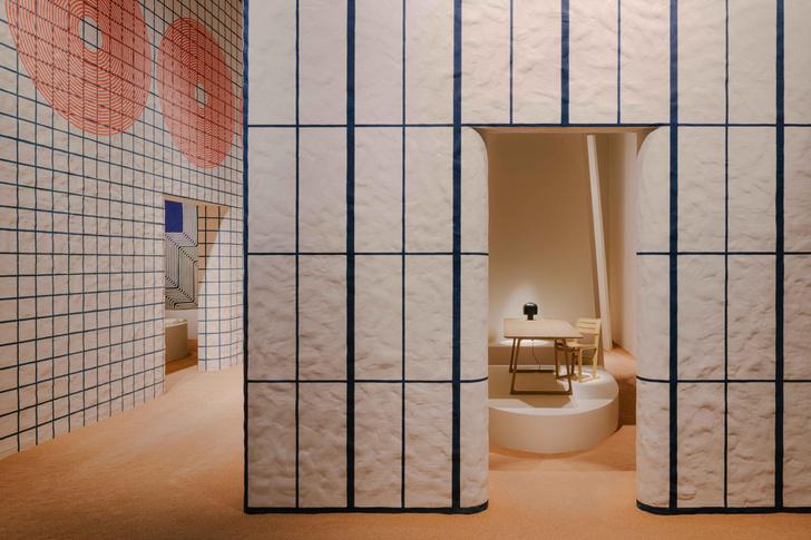 Фото №1 - Новая коллекция Hermès во впечатляющих декорациях Шарлотты Мако Перельман