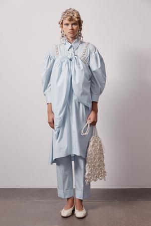 Фото №2 - Как носить платье с брюками: модные идеи на любой случай