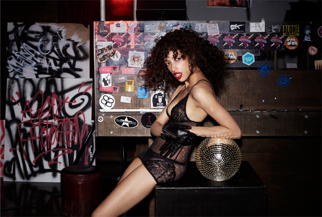 Фото №4 - Сексуальная бунтарка: новая кампания L'Agent by Agent Provocateur AW 2016/17
