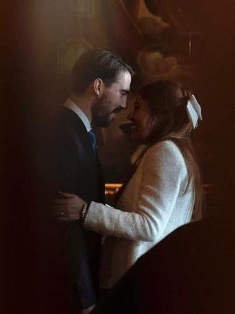 Фото №3 - Элегантная невеста и всего два гостя: как прошла свадьба греческого принца Филиппа