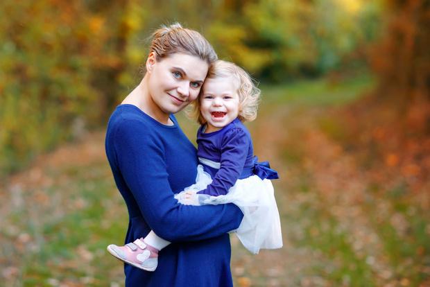 Можно ли беременной носить ребенка на руках