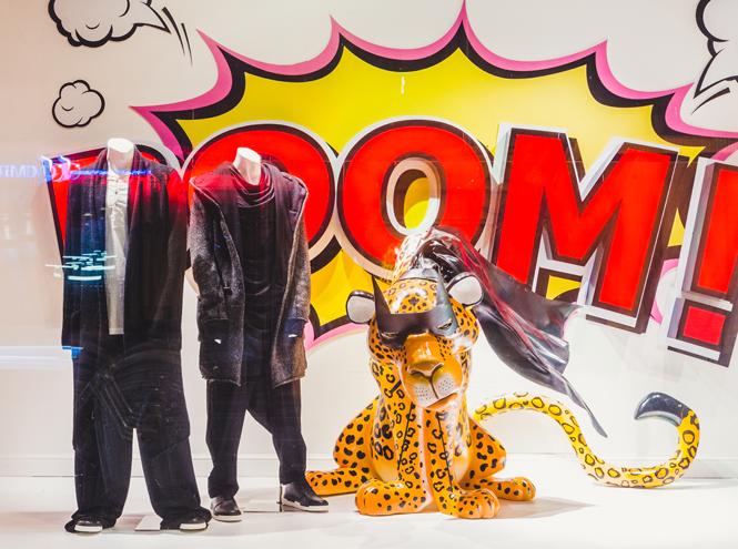 Фото №1 - Леопардовый бум в осенних витринах ЦУМа
