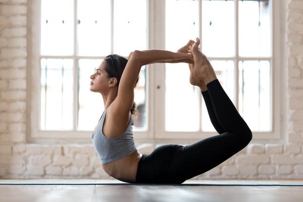 йога позы упражнения онлайн утром утренняя видео