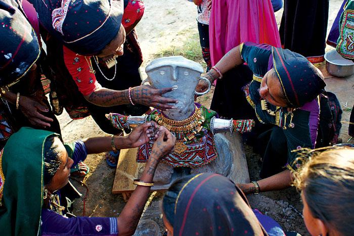Фото №3 - Священные цепи: репортаж с цыганской свадьбы
