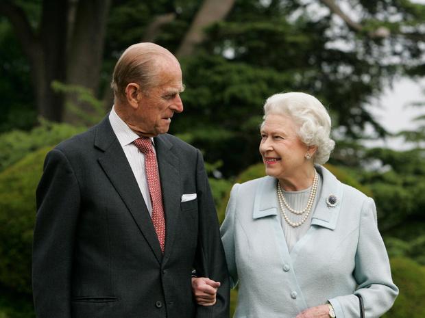 Фото №2 - Как Виндзоры отреагировали на смерть принца Филиппа (и почему все снова осуждают Сассекских)
