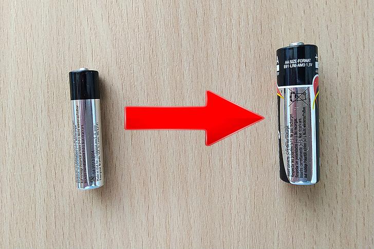 Фото №1 - Лайфхак: как использовать «мизинчиковую» батарейку вместо «пальчиковой»