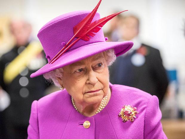 Фото №9 - Не просто украшения: самые красивые драгоценности, которые принц Филипп дарил Королеве