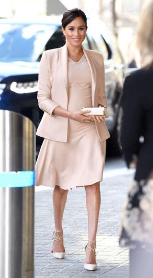 Фото №5 - Больше блеска: почему герцогиня Меган не носит колготки