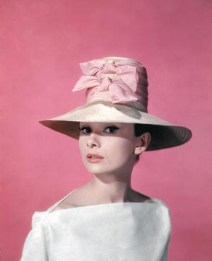 Фото №4 - Золотой запас: любимые ароматы Одри Хепберн, Мэрилин Монро и других звезд прошлого столетия