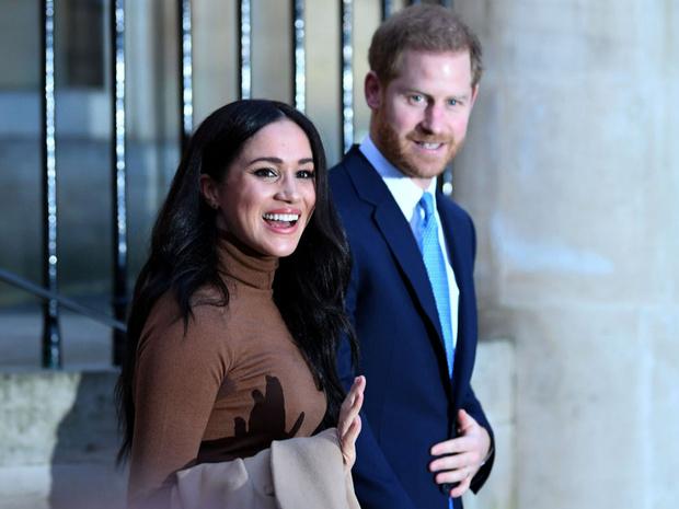 Фото №2 - Нет пути назад: почему Меган скорее разведется с Гарри, чем вернется в Англию