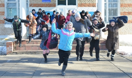 Фото №1 - Из-за гриппа и ОРВИ петербургским школьникам увеличили весенние каникулы