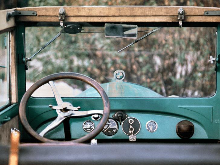 Фото №1 - Восстающий из пепла: история и современность BMW