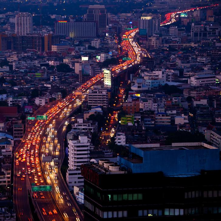 Фото №1 - Названы города мира с самыми загруженными дорогами