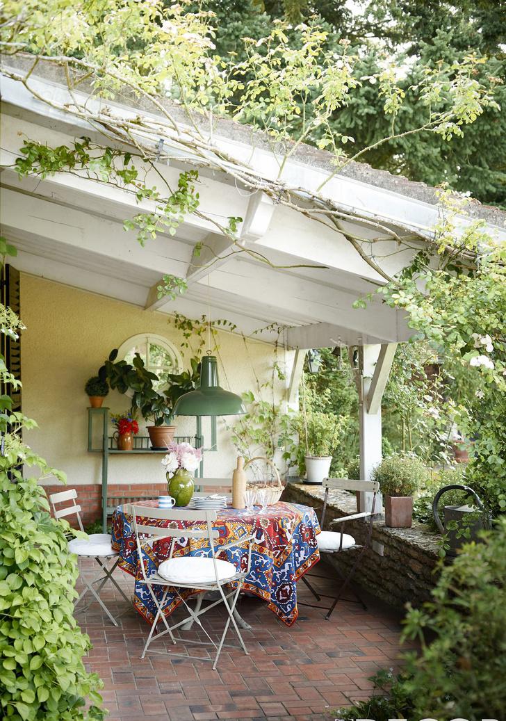 Фото №9 - Да будет цвет: 10 идей декорирования террасы