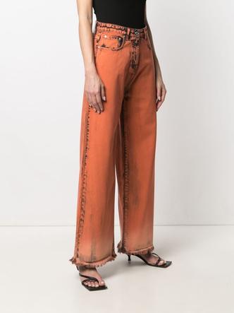 Фото №10 - Самые трендовые джинсы сезона весна-лето 2021: собрали 11 пар, которые украсят ваш гардероб