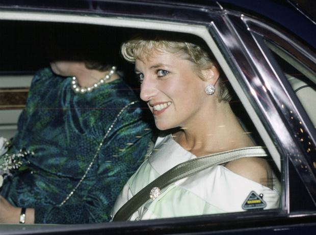 Фото №1 - Принцесса Диана могла сыграть в продолжении фильма «Телохранитель»
