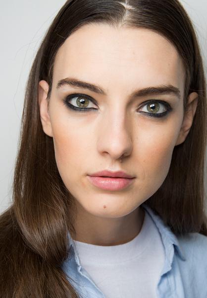 Фото №16 - 11 трендов макияжа весны-лета 2018 с недели моды в Нью-Йорке