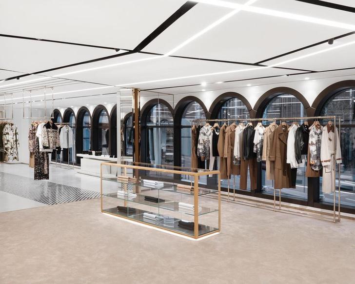 Фото №4 - Новый бутик Burberry по дизайну Винченцо де Котиса в Лондоне