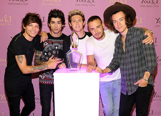 Фото №1 - One Direction презентовали свой новый аромат