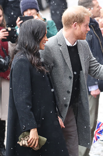 Фото №4 - Снега не боятся: Гарри и Меган прибыли в Бристоль
