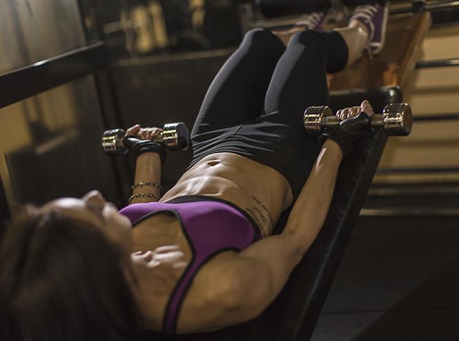 Фото №4 - Силовые тренировки для женщин: мифы об огромных мышцах и правда о здоровье