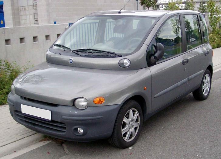 Фото №1 - На дизайн ужасные, классные внутри: 10 автомобилей со странным внешним видом