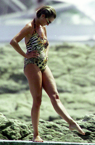 Фото №37 - Принцесса пляжа: бикини-стиль Дианы
