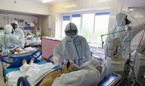 Фото №1 - Петербург сбегал на поправку и опять захворал. Пациенты с COVID-19 перестали выздоравливать