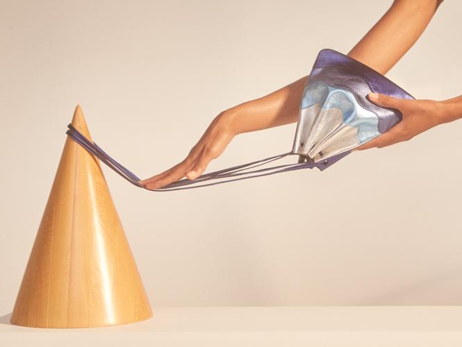 Фото №1 - Тренды весны в новой коллекции сумок и обуви Sandro SS17
