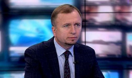 Фото №1 - Председателя комздрава Дмитрия Лисовца выписали из больницы: анализы на коронавирус показали разные результаты