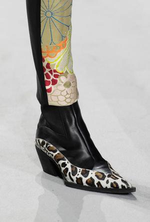 Фото №2 - Самая модная обувь весны и лета 2020: советы дизайнеров
