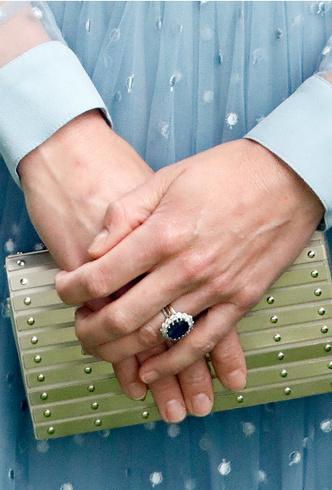 Фото №11 - Кейт, Камилла или Грейс Келли: чье помолвочное кольцо самое дорогое