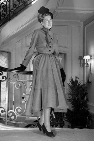 Силуэт new look от Кристина Диора, 1947 год.