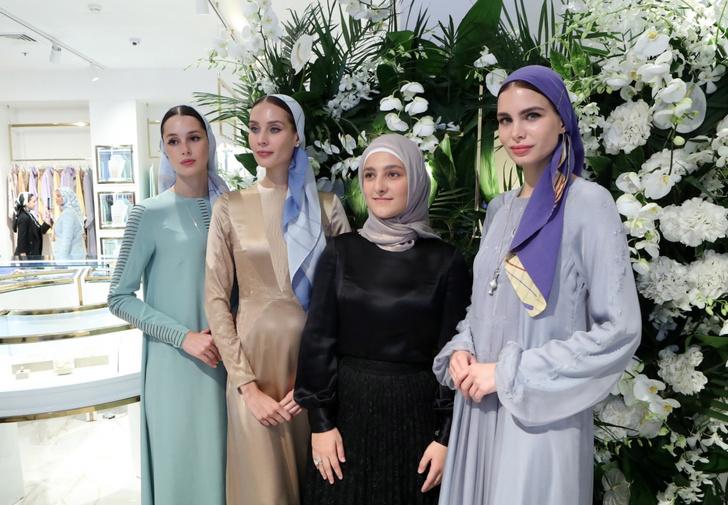 Фото №1 - Тимати, Ольга Бузова и другие звезды на открытии бутика дочери Рамзана Кадырова в Москве