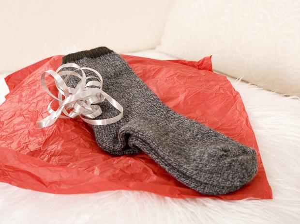 Фото №6 - «Плохие» подарки: что не стоит дарить согласно приметам и суевериям (и почему)