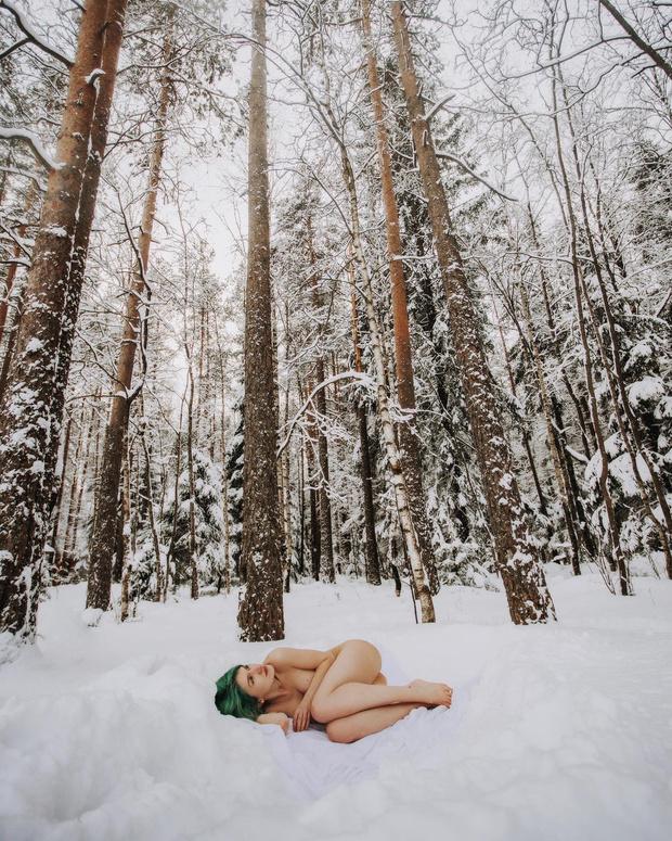 Фото №6 - #Нюдсочетверг: откровенные фотографии самых красивых девушек из «Твиттера»