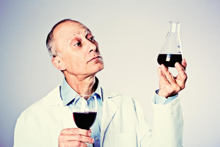 Фото №1 - 10 самых распространенных заблуждений об алкоголе