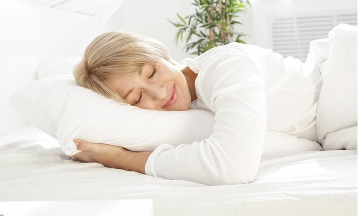 Фото №1 - Сон в летнюю ночь: как высыпаться даже в сильную жару