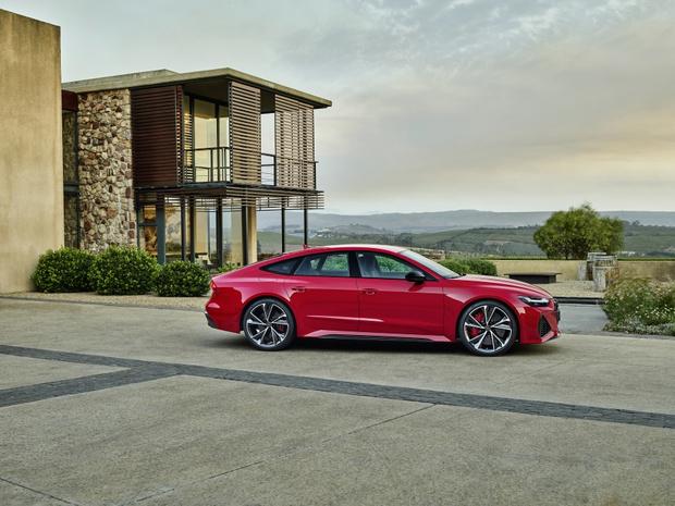 Фото №4 - Новый Audi RS 7 Sportback: инновационный дизайн и высокая эффективность