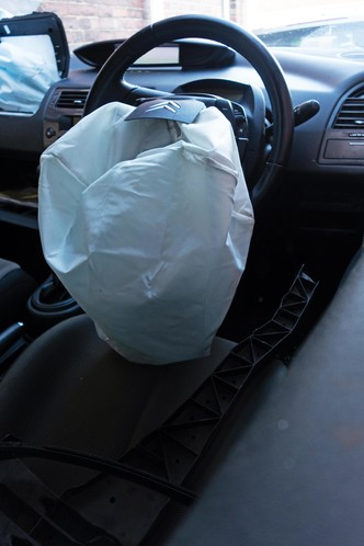 Фото №2 - Спасают и калечат: 5 фактов о подушках безопасности