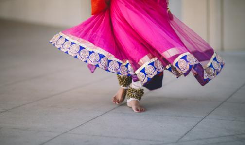 Фото №1 - Минздрав: Чтобы не потолстеть на карантине, надо танцевать